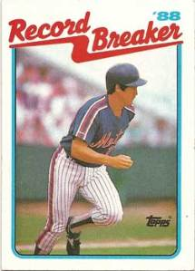 1989 Topps Kevin McReynolds Record Breaker