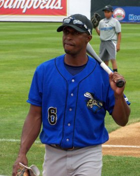Sugarland Skeeters player/coach Vic Gutierrez