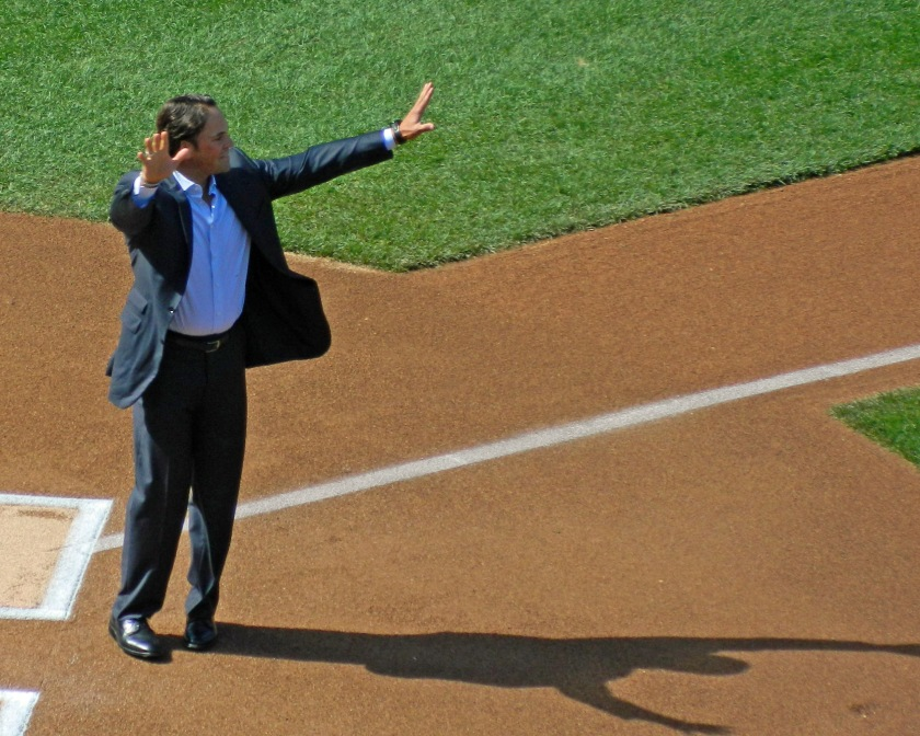 Mike Piazza acknowledges the cheering crowd on Sept. 29, 2013 (Photo credit: Paul Hadsall)