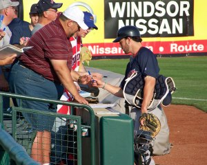 Boston Red Sox prospect Blake Swihart signs autographs before the game (Photo credit: Paul Hadsall)
